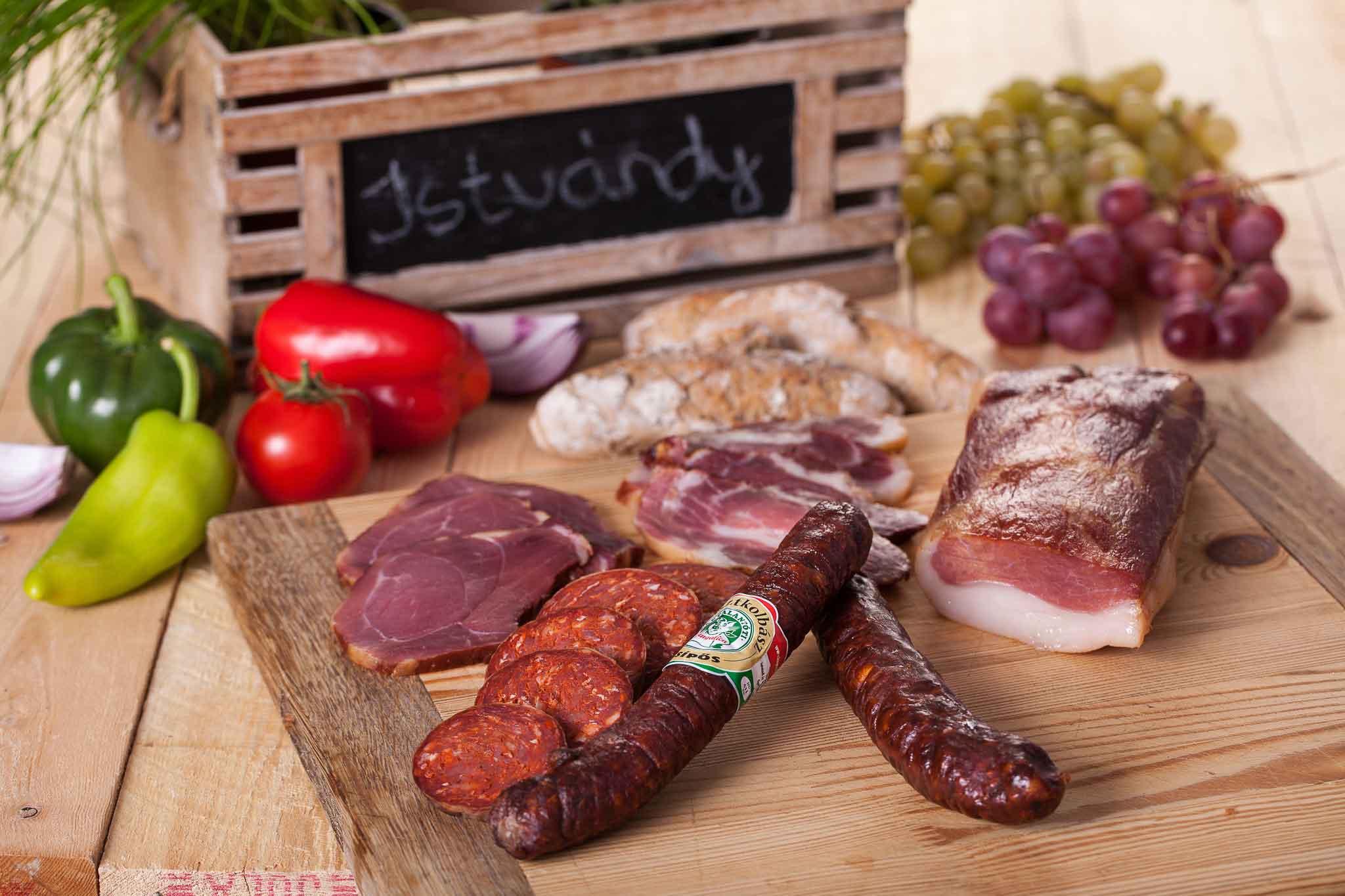 Füstölt mangalica húsáru